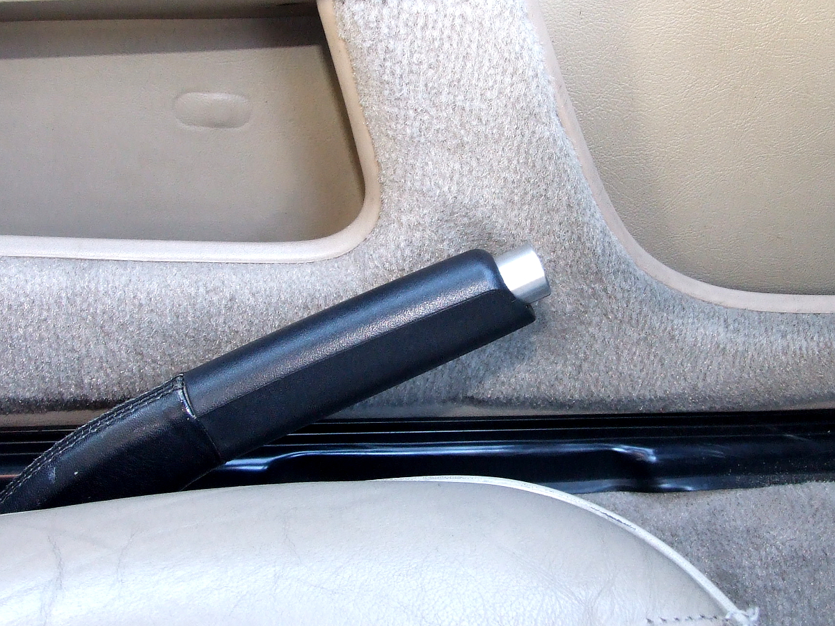 Only944 E-brake button installed