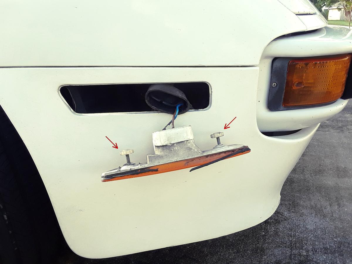 Porsche 944 marker light seal installation